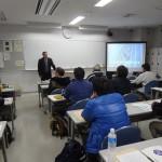 事故事例を紹介し、対策を説く佐元先生の講話