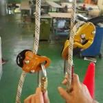 リグとイタリア製の墜落阻止器具… この組み合わせで事故が多発