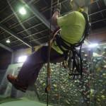 フォールアレスターはストレスなくロープ上を流れるが、これで墜落は止まらなかった!